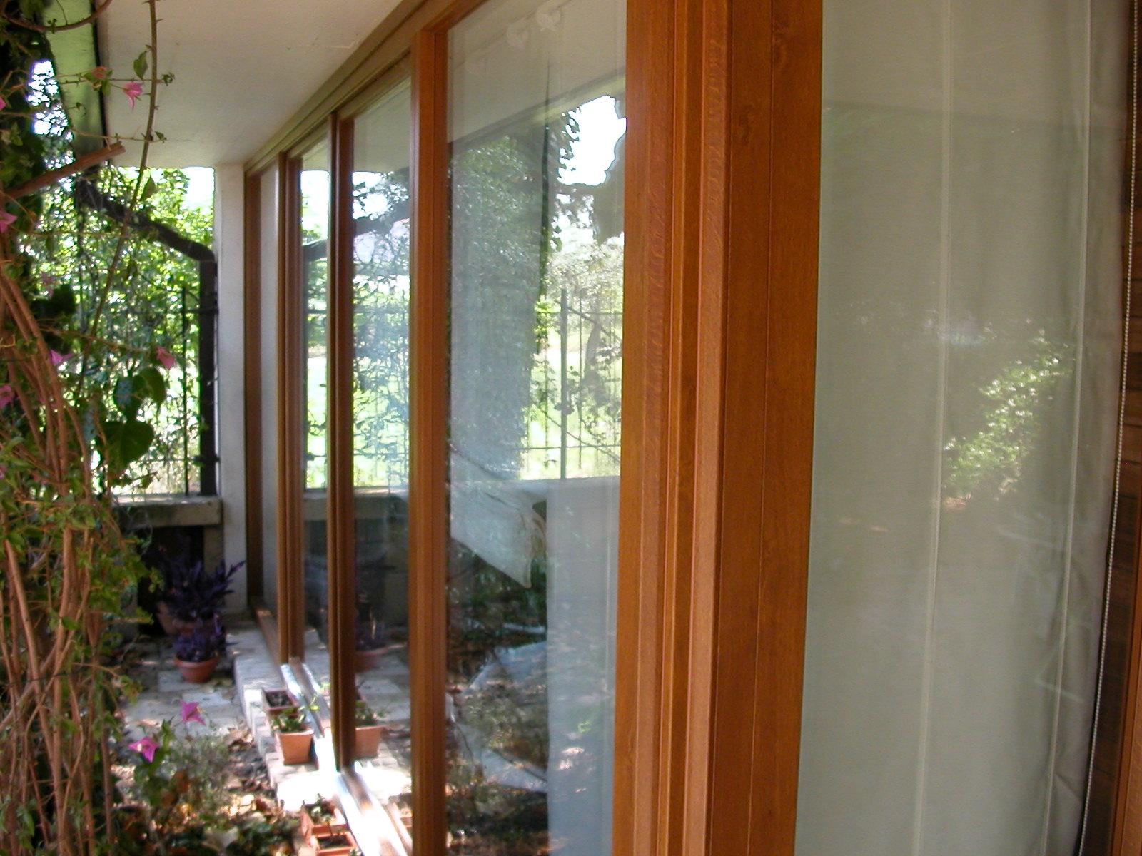 Verande in pvc finstral effetto legno bernocchi infissi for Iva su infissi